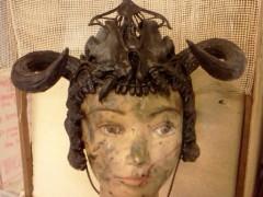helmet bones skull horns