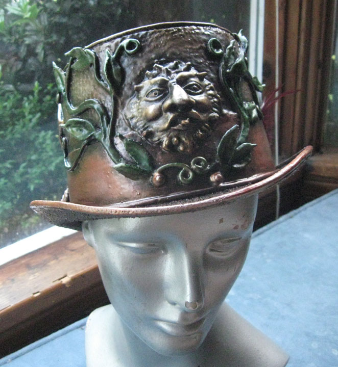 Bacchus top hat