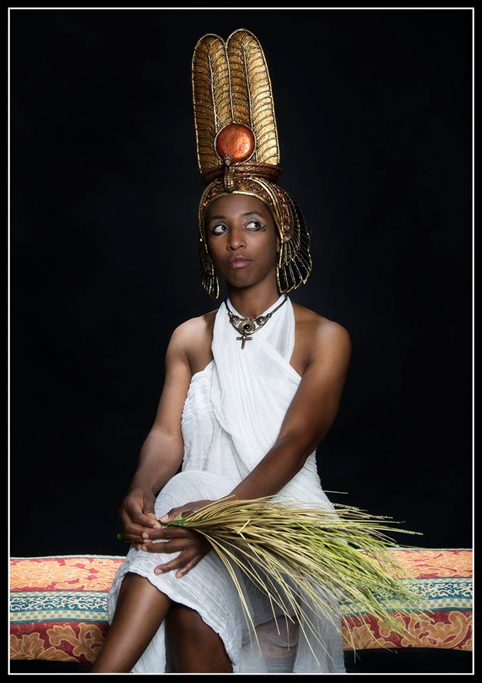 Nefertari headdress