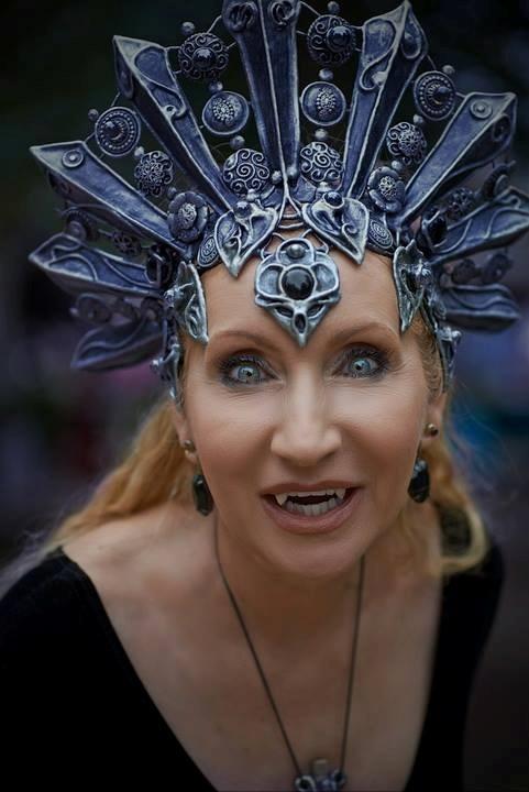Akasha style headdress