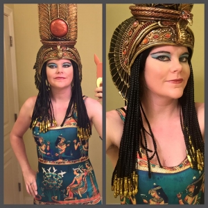 Elizabeth in her Nefertari headdress