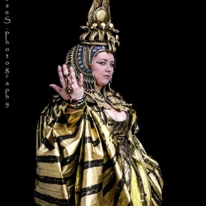 Helene in her Cleopatra headdress