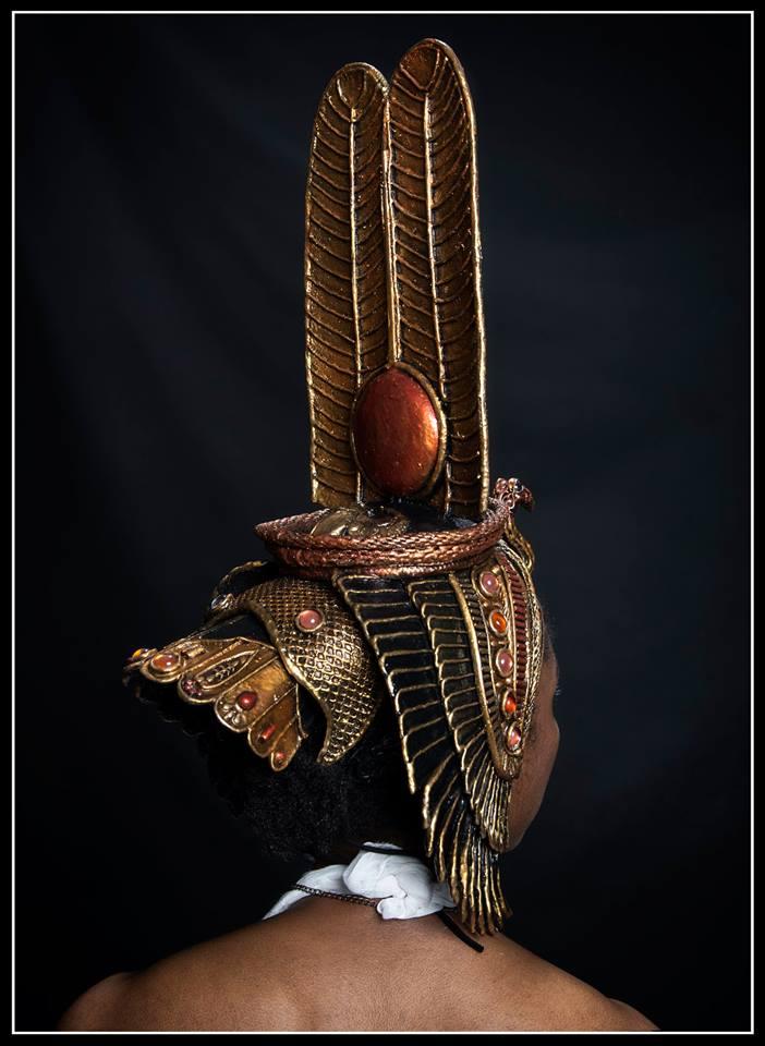 back of Nefertari headdress